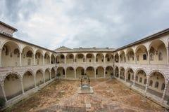 Baje la basílica de St Francis de Assisi Fotografía de archivo libre de regalías
