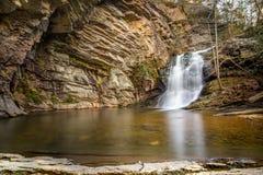 Baje las cascadas Fotos de archivo libres de regalías