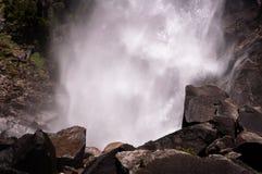 Baje Yosemite Falls imágenes de archivo libres de regalías