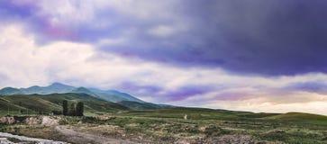 Bajecznie widok góry, zadziwiająca natura, lato w górach obraz royalty free