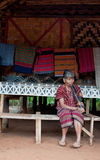 BAJIANG,占巴塞省,老挝人P d r - 8月14日:未认出的Alak t 免版税库存照片