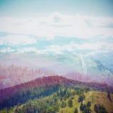 Bajka las w Retro stylu Papierowy rocznik Textured Góra krajobraz, Zdjęcie Stock