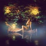 Bajki piękna kobieta - drewniana boginka Zdjęcia Royalty Free