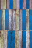 Bajo azul del amarillo de madera de la pared del color del arte abstracto profundamente del campo Imágenes de archivo libres de regalías