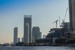 Bajo construcción del proyecto de ICONSIAM, un desarrollo futuro del mezclado-uso en los bancos de Chao Phraya River en Bangkok,  fotos de archivo libres de regalías