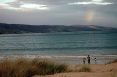 Bajo el arco iris Imagenes de archivo