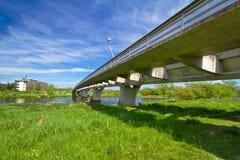 Bajo el nuevo puente de la carretera Imagenes de archivo