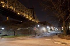 Bajo el puente de Queensboro Imágenes de archivo libres de regalías
