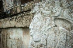 Bajorrelieves en las ruinas de Palenque, México fotos de archivo