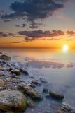 bak horisont ställer in sunen Arkivfoton