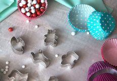 Bak hulpmiddelen voor koekje en cupcake bakselkop Hoogste mening stock afbeelding