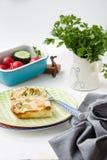 Bak met groenten en schrimps stock afbeelding