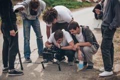 bak plats Utomhus- plats för film för filmande för filmbesättning Royaltyfri Foto