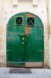 bak stängda dörrar Royaltyfri Foto