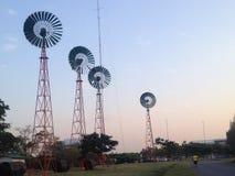 bak windmillen för france inställningssun Royaltyfri Foto