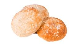 Baka bröd på vit isolerad bakgrund arkivfoton