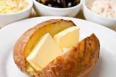 bakad crispy varm potatis arkivfoto