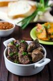 Bakad meat med kryddor Arkivfoto