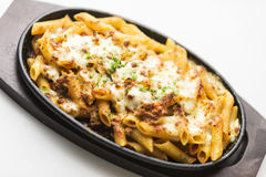 Bakad pasta med kött och ost Royaltyfri Fotografi