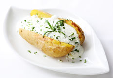 bakad potatis arkivfoton