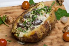 bakad potatis arkivbild