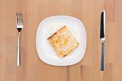 bakad sur creamepudding arkivbilder