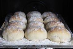 bakade nya rullar för bröd Royaltyfri Bild
