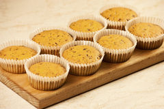 bakade nytt muffiner Arkivfoton