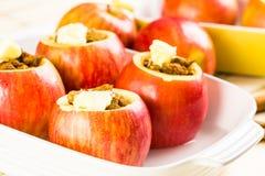 bakade äpplen Arkivfoton