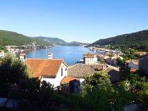 Bakar-Bucht, Ansicht vom alten Stadtteil Lizenzfreie Stockfotos