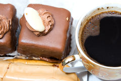 bakar ihop chokladkaffe Arkivfoton