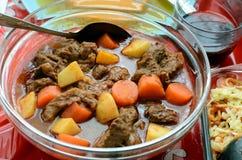 Bakareta - un ragoût de boeuf philippin Photos stock