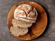 bakat bröd nytt royaltyfri fotografi