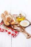 bakat bröd rullar nytt Royaltyfri Foto
