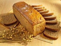 bakat bröd table nytt arkivfoton