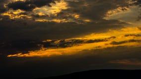 bakbelyst dimmig soluppgång för liggandesommarsolljus Fotografering för Bildbyråer