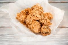Baked在鸡,舱内甲板位置上添面包 美国快餐 免版税库存图片