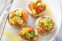 Baked заполнило champignons с овощами Стоковые Изображения RF