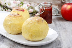 Baked apples stuffed with blueberry jam Royalty Free Stock Photography