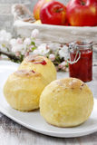 Baked apples stuffed with jam Royalty Free Stock Photos
