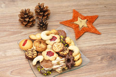 baked christmas cookies 库存图片