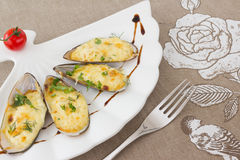 Baked Mussels under Cream Cheese Sauce Royalty Free Stock Photos
