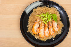 Baked vermicelli with shrimp in wood dish Royalty Free Stock Photos