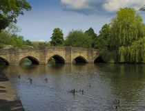 Bakewell-Brücke, Derbyshire, England lizenzfreies stockbild