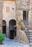 Bakgata. Capranica. Lazio. Italien. royaltyfria foton