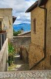 Bakgata. Montefalco. Umbria. Italien. Royaltyfri Foto