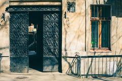 Bakground старой двери винтажное, старая дверь в старом доме Стоковые Изображения