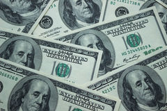 Bakgrund av amerikanen 100 dollarsedlar, slut upp Royaltyfri Bild