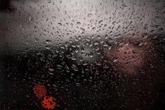 Bakgrund av droppar på exponeringsglaset Royaltyfri Bild