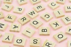 bakgrund av för typprinting för boktryck som wood kvarter var slumpmässig lät Fotografering för Bildbyråer